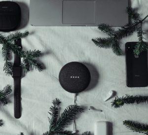 סט מתנה הכולל מחשב, רמקול וטלפון